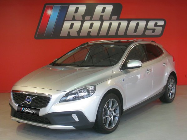 Volvo V40 Cross Country 2.0 D2 Ocean Race GPS (120cv)